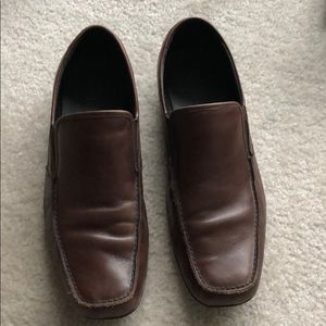 Kenneth Cole brown loafer slide on shoe 11